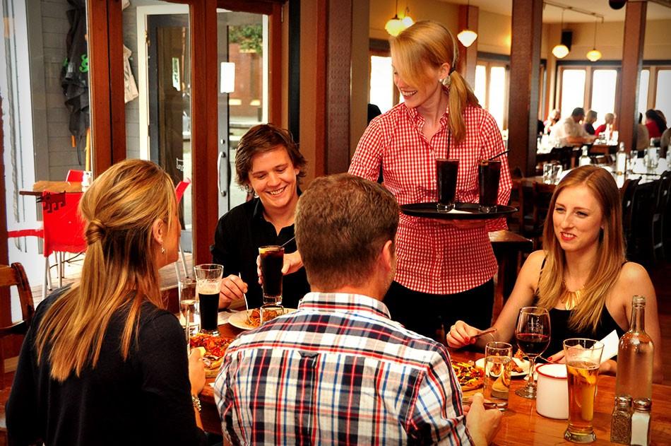 One Red Dog Wellington, Restaurant Service